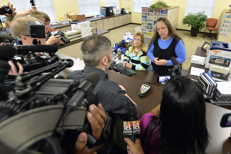 Federal courts order Kentucky clerk to issue gay marriage licenses